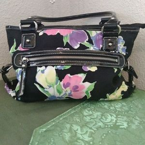 Chaps floral print purse NEW CONDITION